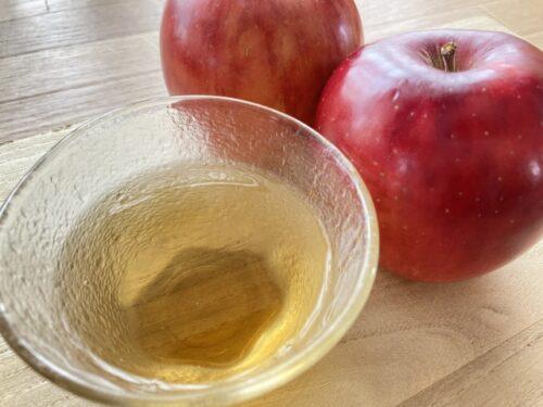 リンゴとお酢の画像